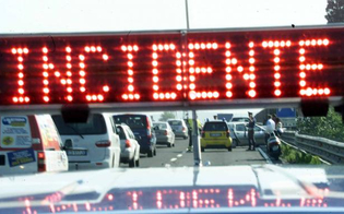 https://www.seguonews.it/scontro-tra-due-mezzi-pesanti-nei-pressi-di-enna-traffico-deviato-nello-svincolo-di-caltanissetta