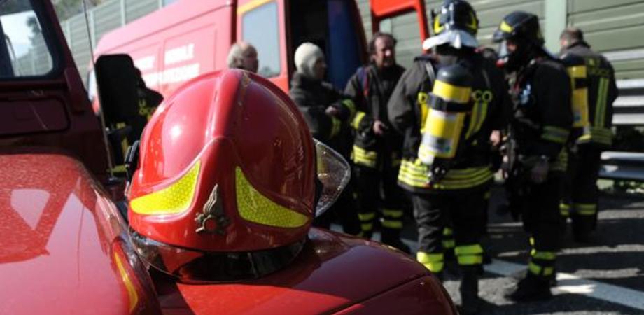 Esalazioni da un depuratore, gravi operai di San Cataldo e Gela. Malore per un vigile del fuoco durante i soccorsi