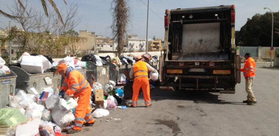 Rifiuti, a Sommatino continua protesta ex operai Tekra. Il sindaco scrive al prefetto di Caltanissetta