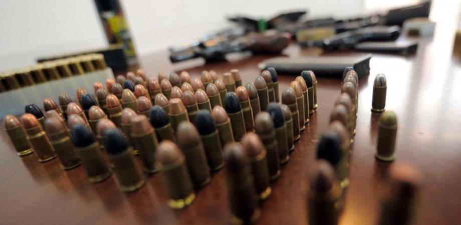 """""""Trasloca"""" pistola senza avvisare la Questura, nisseno denunciato. I consigli della Polizia sul possesso d'armi"""