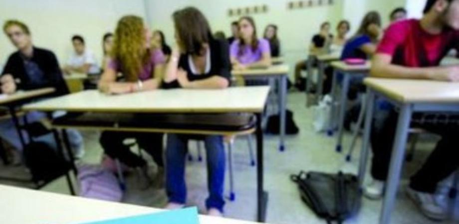 Caltanissetta. Bando borse di studio 2014-2015 per le scuole medie e superiori. Modificate le modalità di assegnazione
