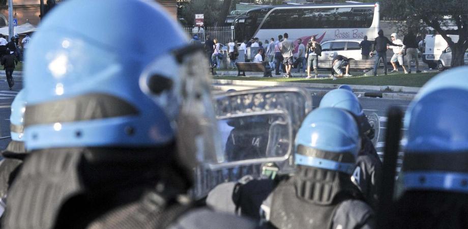 Bomba carta contro tifosa Sancataldese, Daspo e denuncia per supporter Castrovillari