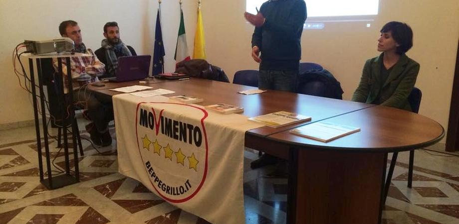 """""""Usciamo dall'Euro"""", sabato referendum M5S a Pian del Lago e in centro"""