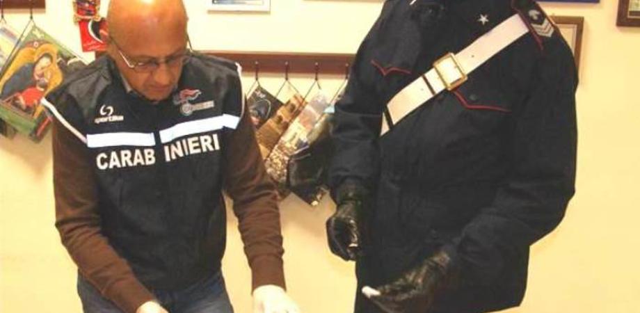 """Carabinieri. Baby pusher fermato a  San Cataldo con """"erba"""", disoccupato arrestato a Santa Caterina per scontare condanna"""
