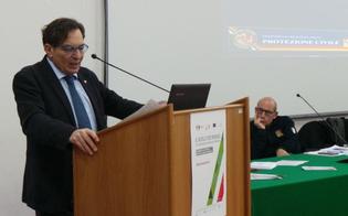 http://www.seguonews.it/caltanissetta-crocetta-cefpas-sui-rifiuti-sto-i-sindaci-contro-interessi-privati-sulle-discariche