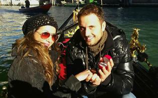http://www.seguonews.it/se-non-in-gondola-venezia-dove-giovane-sommatino-porge-lanello-futura-sposa-canal-grande