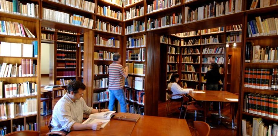 """Regala un libro alla """"Scarabelli"""". Bonus per i cittadini che aumentano il patrimonio librario"""
