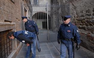 http://www.seguonews.it/lotta-allo-spaccio-a-caltanissetta-la-mobile-ferma-tunisino-con-eroina-tre-giovani-nei-guai-per-la-coca