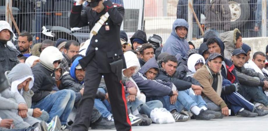 Botte da orbi al centro di accoglienza profughi di San Cataldo: sette stranieri denunciati, tre feriti a colpi di spranghe ed estintore