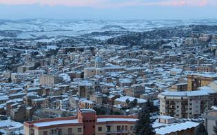 http://www.seguonews.it/la-sicilia-batte-i-denti-sabato-attesa-la-neve-allerta-meteo-anche-a-caltanissetta