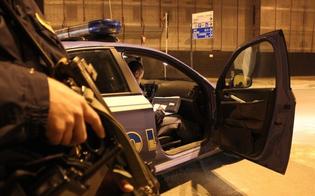 http://www.seguonews.it/forza-posto-di-blocco-inseguimento-allamericana-per-le-vie-di-caltanissetta-la-polizia-denuncia-fuggitivo-per-resistenza