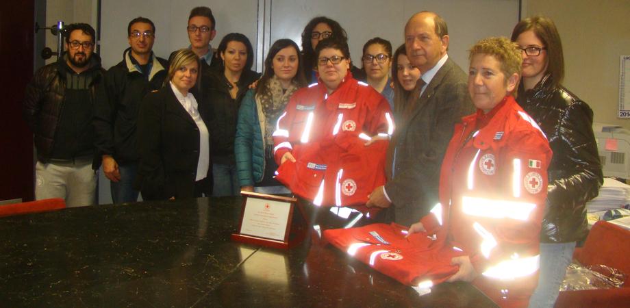 Resuttano: la Banca Don Stella dona 19 divise ai nuovi volontari Cri
