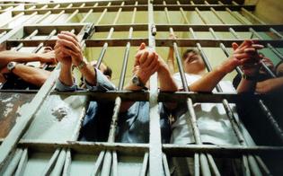 http://www.seguonews.it/abusi-sessuali-e-sevizie-dai-compagni-di-cella-cinque-indagati-a-enna-cicche-spente-nellano-e-acqua-bollente-sui-piedi