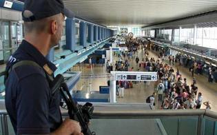 http://www.seguonews.it/coltello-nel-bagaglio-giovane-nisseno-bloccato-allaeroporto-di-comiso-polizia