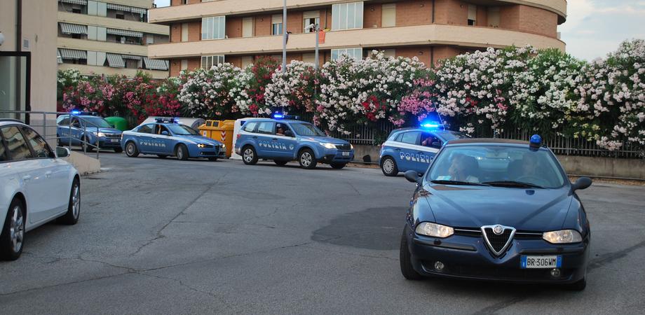 Caltanissetta passata al setaccio dalla Polizia. Centinaia di persone controllate, due giovani denunciati