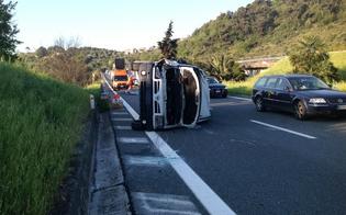 http://www.seguonews.it/incidente-a19-furgone-si-ribalta-scillato-buonfornello-feriti-passeggeri