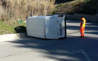 http://www.seguonews.it/ultimora-incidente-alle-porte-caltanissetta-furgone-si-ribalta-in-curva-ferito-conducente