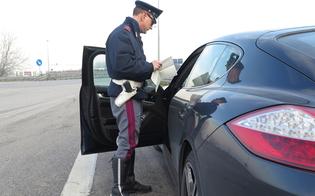 http://www.seguonews.it/getta-la-sigaretta-dal-finestrino-e-finisce-nellauto-della-polizia-denunciato