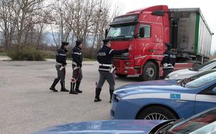 http://www.seguonews.it/non-rispetta-i-riposi-alla-guida-record-per-un-camionista-di-caltanissetta-perde-104-punti-della-patente