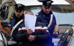 Ladro acrobata in fuga sui tetti di Riesi. Catturato dai carabinieri, recuperati i gioielli