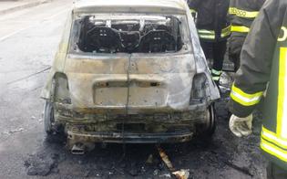 http://www.seguonews.it/attentatori-scatenati-a-niscemi-incendiata-lauto-di-un-commerciante-lombra-del-racket-o-ritorsione-personale