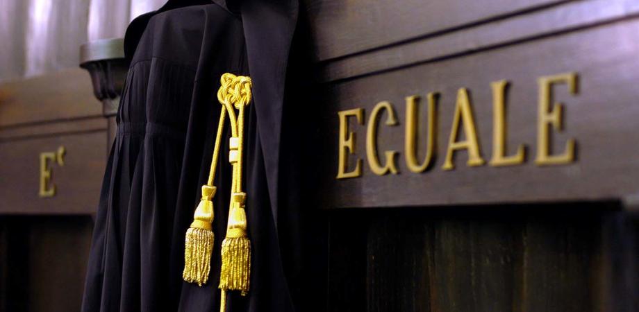 Caltanissetta, violenze nei confronti di moglie e figli minori: 47enne condannato