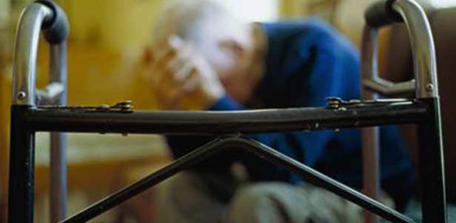 Aggrediscono anziano e gli rubano la pensione, a Gela due rapinatori incastrati dalla videosorveglianza