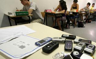 http://www.seguonews.it/maturita-2015-guerra-ai-furbetti-via-telefonini-e-wi-fi-cosi-il-miur-impedira-di-copiare-da-internet