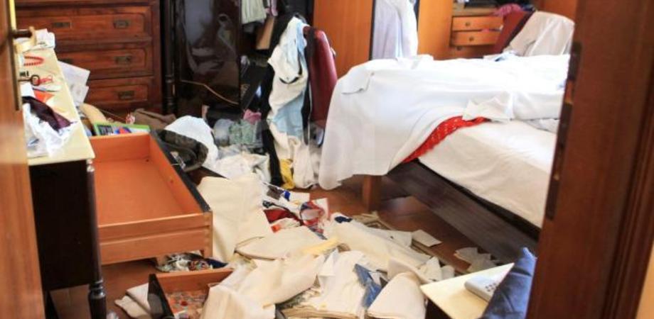 Escalation di furti in casa a Caltanissetta, ecco come difendersi. Estate sicura, i consigli della Polizia contro i ladri