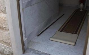 http://www.seguonews.it/caltanissetta-ennesimo-saccheggio-cimitero-angeli-trafugate-porte-undici-cappelle-private