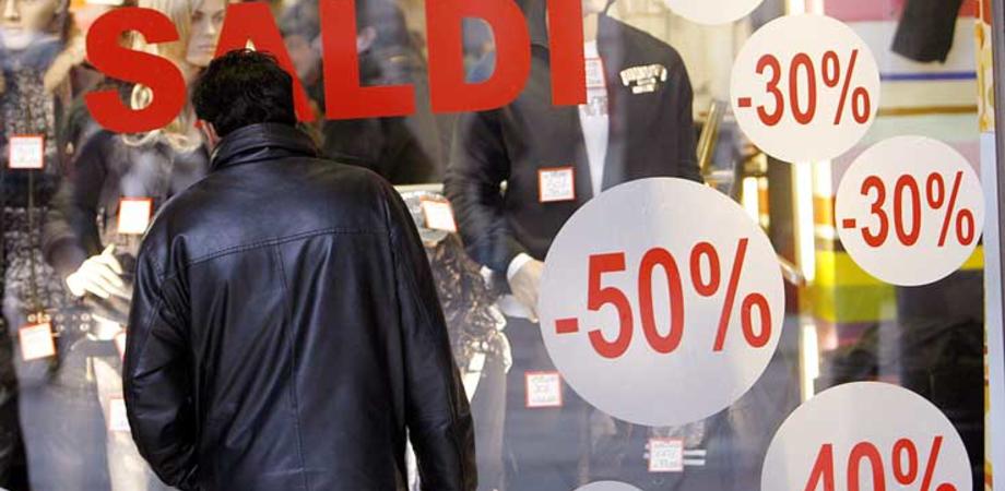 Saldi in Sicilia, sabato si parte. Shopping cauto: la spesa media non supererà i 150 euro