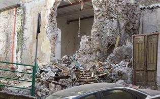 https://www.seguonews.it/terrore-campofranco-crollano-vecchie-case-detriti-auto-in-transito-illeso-parrucchiere