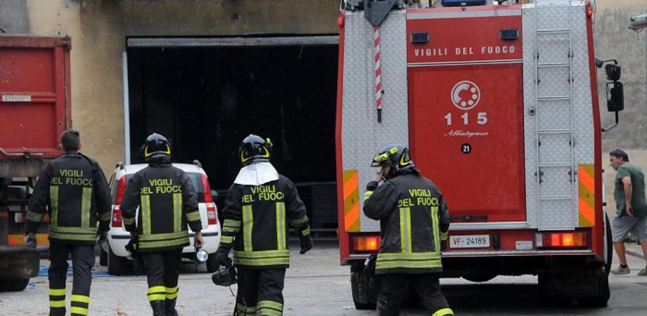 Sciopero dei vigili del fuoco in tutta Italia, a Caltanissetta sit - in presso la sede del Comando Provinciale