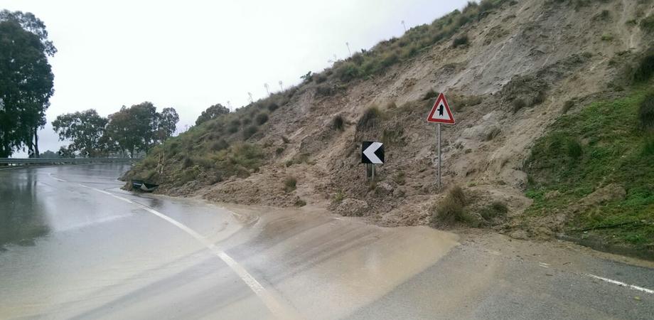 Il maltempo lascia la Sicilia, si fa la conta dei danni: vento e pioggia si spostano nel resto della penisola