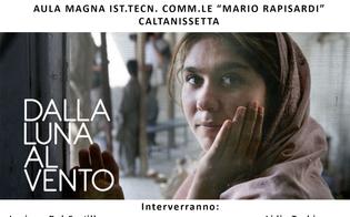 https://www.seguonews.it/dalla-luna-vento-caltanissetta-mostra-foto-dibattito-contro-violenza-sulle-donne