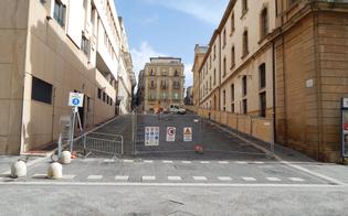 http://www.seguonews.it/lavori-con-sorpresa-alla-salita-matteotti-tonnellate-di-carte-sepolte-nellex-rifugio-antiaereo-di-caltanissetta