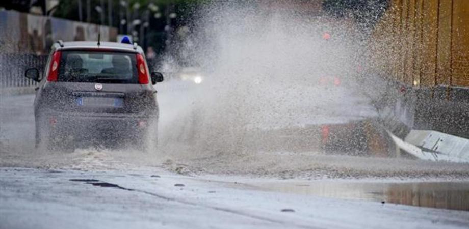 In Sicilia ritorna il maltempo. Domenica attese piogge, temperature in calo di 8-10 gradi