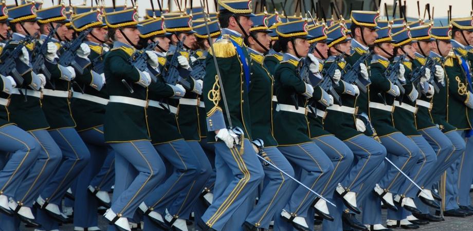 Guardia di Finanza, pubblicato il bando per il reclutamento di 965 allievi finanzieri