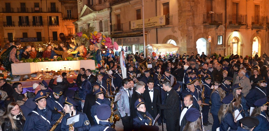 """""""Bande musicali forestiere per le Vare"""". Caltanissetta, protesta del complesso """"Petiliana"""" contro l'esclusione"""