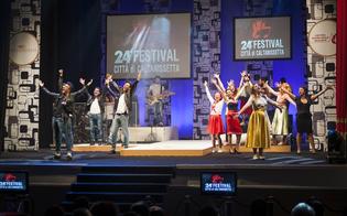 http://www.seguonews.it/festival-di-caltanissetta-show-tra-vecchie-glorie-e-nuove-proposte-e-quasi-sold-out