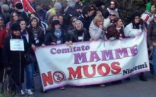 http://www.seguonews.it/il-sequestro-delle-antenne-usa-a-niscemi-giornata-di-festa-le-mamme-no-muos-la-legge-dalla-nostra-parte