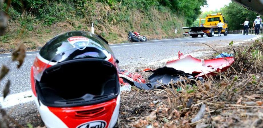 Incidente mortale per un centauro di Calascibetta: fatale lo scontro con una macchina