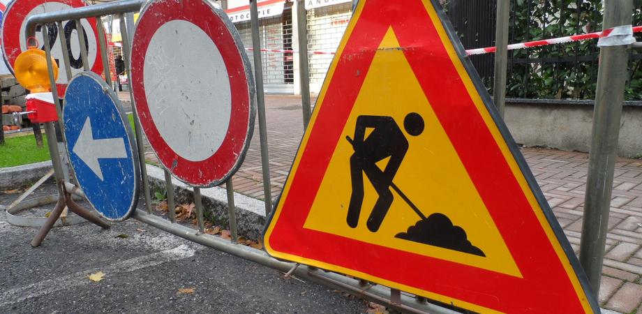 Maltempo, a Butera cede il manto stradale in due vie cittadine