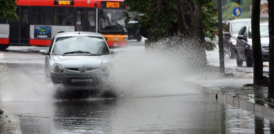Giovedì c'è allerta meteo, codice rosso a Caltanissetta. Il sindaco non chiude le scuole ma invita i nisseni alla prudenza
