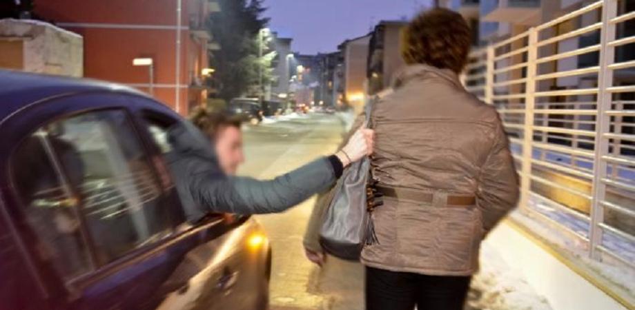 Anziana scippata a Niscemi. Incastrata la banda della Punto, Polizia denuncia tre giovani