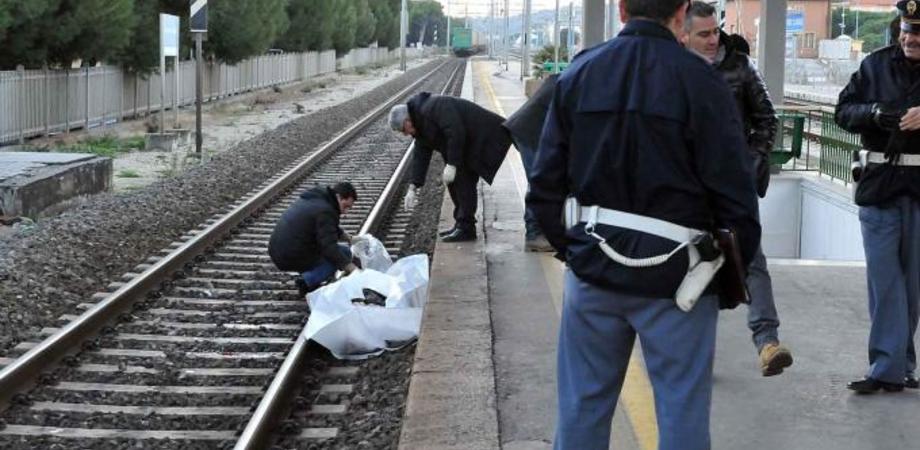 Tragedia a Milano, giovane infermiere di Riesi travolto da un treno. Incidente o suicidio?