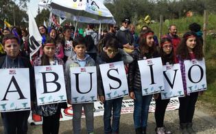 http://www.seguonews.it/il-popolo-no-muos-festeggia-il-sequestro-delle-antenne-usa-migliaia-di-manifestanti-a-niscemi-tanti-bambini-in-corteo