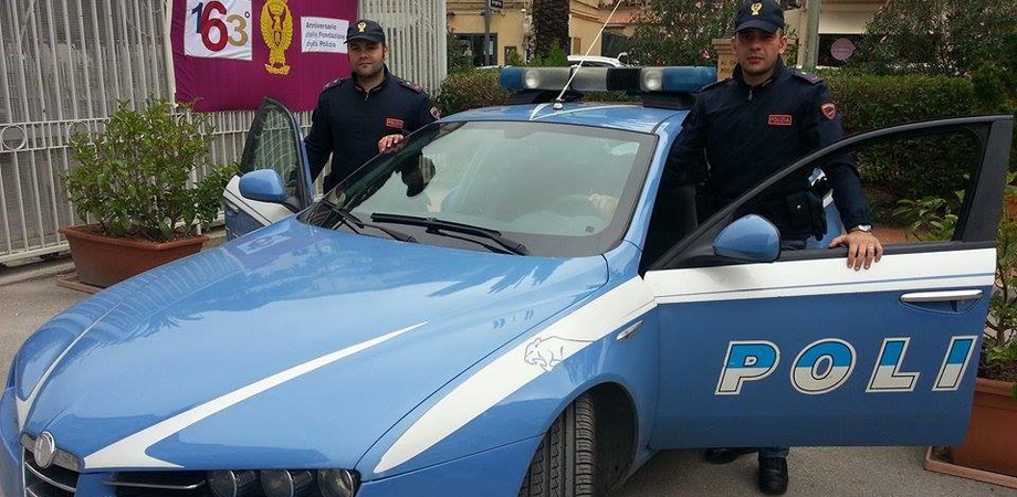 """""""Un'ape"""" si muoveva a zig zag in via Catania. La polizia ferma il conducente ubriaco"""