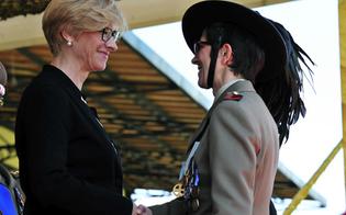 http://www.seguonews.it/medaglia-doro-alla-soldatessa-di-gela-mutilata-in-afghanistan-e-la-prima-donna-a-riceverla