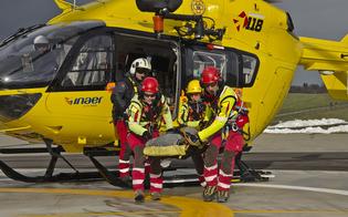 http://www.seguonews.it/auto-travolge-ciclisti-a-naro-un-morto-ferito-grave-ricoverato-al-santelia